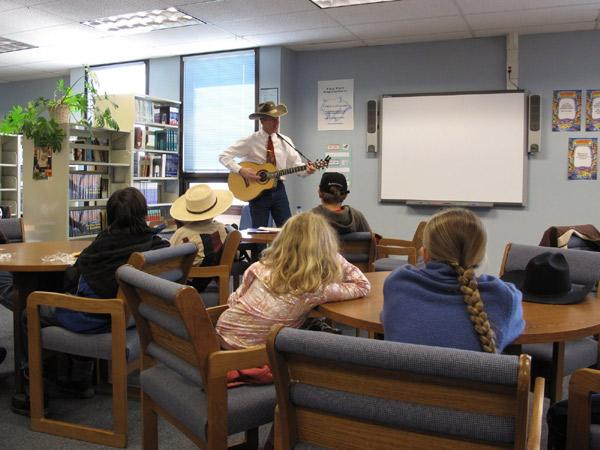 Wylie Gustafson teaches a yodeling workshop.