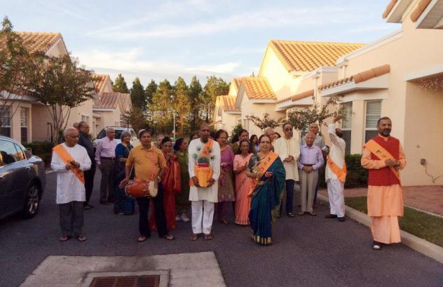 The ShantiNiketan retirement complex provides residents with Indian food and cultural experiences.