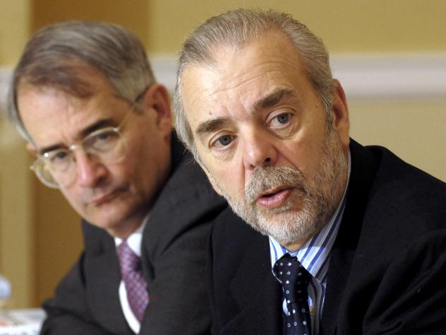 Andrew Kohut (right) and Bruce Stokes are guests at the Christian Science Monitor breakfast on May 3, 2006 in Washington, D.C.