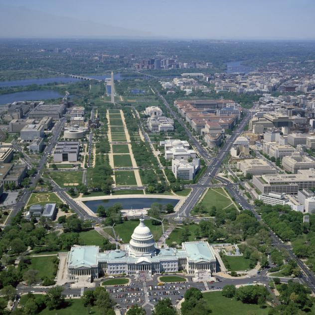 The National Mall, looking west from the Capitol, pre-2007.