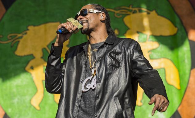 Snoop Dogg speaks on behalf of inductee Tupac Shakur at the 2017 Rock & Roll Hall Of Fame induction ceremony.