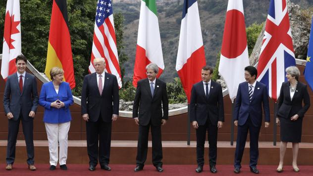 From left, Canadian Prime Minister Justin Trudeau, German Chancellor Angela Merkel, U.S. President Donald Trump, Italian Prime Minister Paolo Gentiloni, French President Emmanuel Macron, Japan's Prime Minister Shinzo Abe, and British Prime Minister There