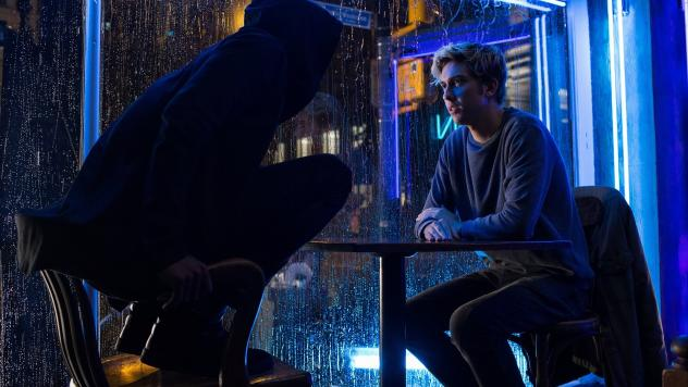 "Crouch, Potato: Detective ""L"" (Lakeith Stanfield) pursues student-turned-vigilante Light Turner (Nat Wolff) in <em>Death Note.</em>"