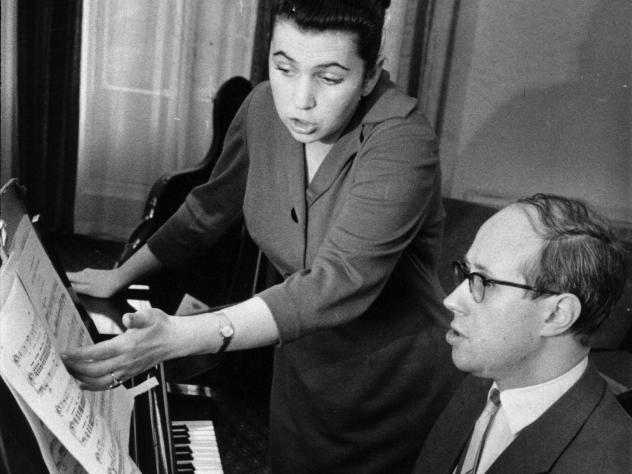 Russian soprano Galina Vishnevskaya with her husband, Russian cellist, conductor and composer Mstislav Rostropovich in 1959.