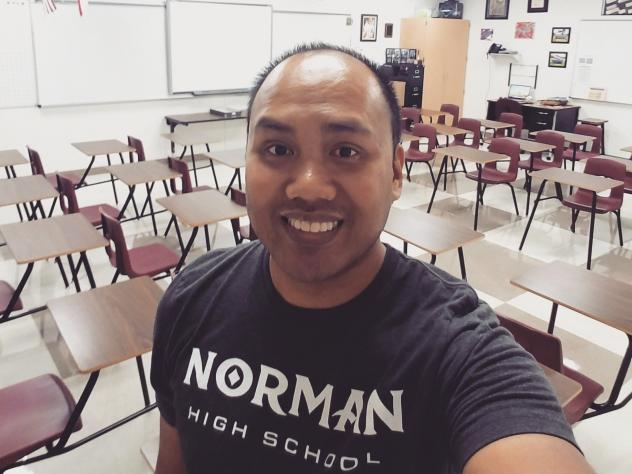 """Setting up his new classroom in Texas this school year, Shawn Sheehan took a selfie for social media to wish his home state well. """"Wishing all my Norman and <a href=""""https://twitter.com/hashtag/oklaed?src=hash"""" data-query-source=""""hashtag_click"""">#<strong>"""