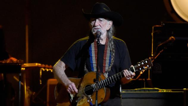 Willie Nelson sings about outliving friends, surviving death hoaxes and more on his latest album, <em>Last Man Standing</em>.