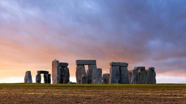 Researchers have found that remains buried at Stonehenge thousands of years ago may have originated in the Preseli Mountains.