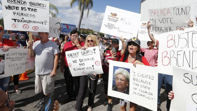 Crowds gathered outside of the Broward County Supervisor of Elections this week in Florida. Judges ruled Friday that election supervisors in Broward and Palm Beach counties had to release how many votes still had to be counted.