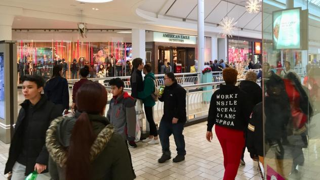 Black Friday: Online Retail Makes Inroads But Shoppers
