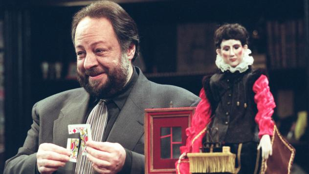 Ricky Jay performs his show <em>Ricky Jay & his 52 Assistants</em> at the Tiffany Theatre in Los Angeles in 1996.