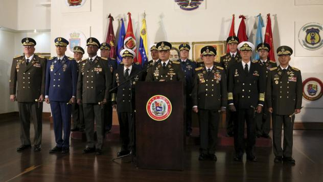 Defense Minister Vladimir Padrino López delivers a message of support for Venezuelan President Nicolás Maduro in Caracas, Venezuela, on Thursday. A half-dozen generals belonging largely to district commands and with direct control over thousands of tro