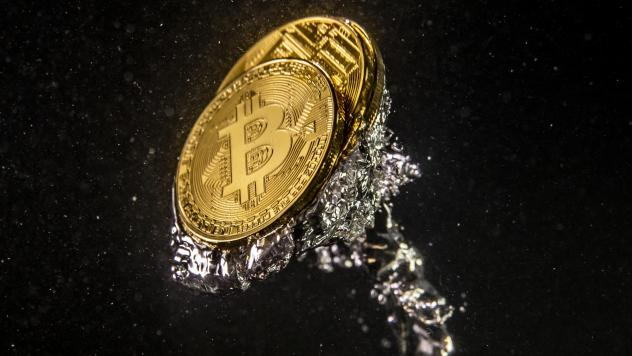 QuadrigaCX says it can't reach millions of dollars' worth of bitcoin and other cryptocurrency, after its CEO died during a December trip to India. The CEO's laptop is encrypted, the company says.