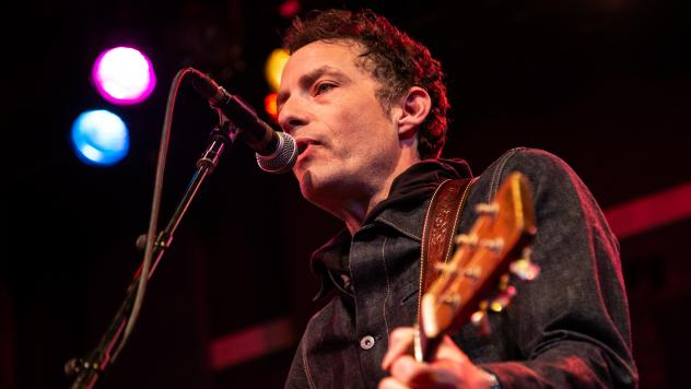 Jakob Dylan performing songs featured in the <em>Echo in the Canyon </em>documentary.