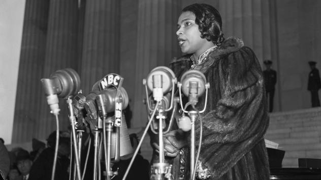 Marian Anderson sings at the Lincoln Memorial, 1939. Even as her mink coat might have served practical purposes, it was also richly symbolic.