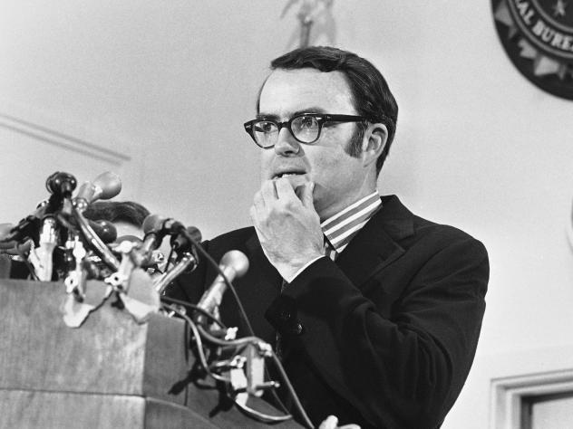Then-acting FBI director William D. Ruckelshaus pauses during a May 1973 news conference in Washington. Ruckelshaus died Wednesday at the age of 87.