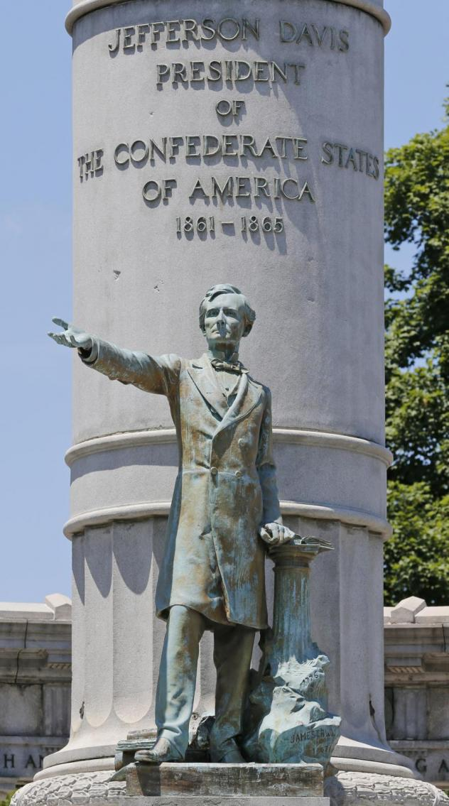 A statue of Jefferson Davis, president of the Confederacy, in Richmond, Va., in 2017. Protesters toppled the statue late Wednesday.