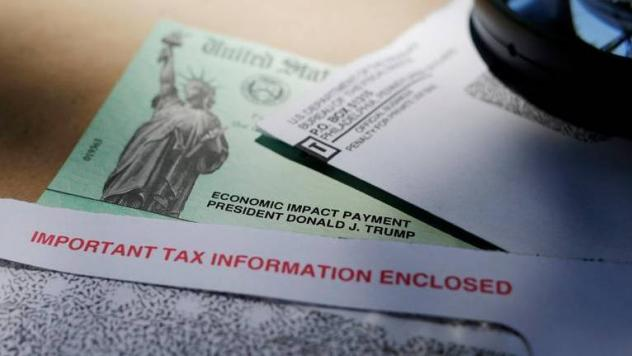 An error at the IRS caused thousands of non-Americans living overseas to mistakenly receive $1,200 stimulus checks last spring.