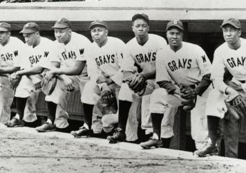 The Washington Homestead Grays, seen here around 1946, split their home games between Pittsburgh and Washington, D.C. The team won the Negro World Series in 1948, the championship's final year.