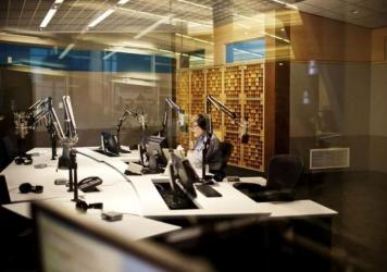 Neal Conan in the studio during the last broadcast of NPR's <em>Talk of the Nation</em>.