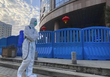 A new U.S. intelligence report could not conclude whether the SARS-CoV-2 virus escaped from a lab in Wuhan, China or spilled over from an infected animal. Without more information about the early days of the outbreak, a more definitive explanation is unl