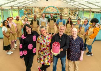 Noel, Prue, Paul and Matt with the bakers. The new season of <em>The Great British Baking Show </em>is on Netflix now.