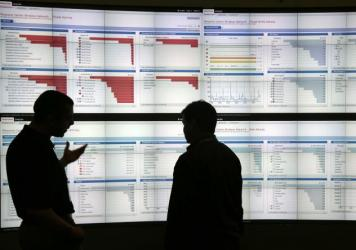 An engineer from Cisco shows live wireless traffic to a FedEx employee during a recent security conference in San Francisco.
