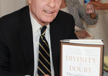 Writer and former prosecutor Vincent Bugliosi, seen here in 2011, has died at age 80.