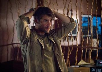 This is James Wolk playing Jackson Oz in <em>Zoo</em>. Yes, Jackson Oz. I would never joke about something like this.