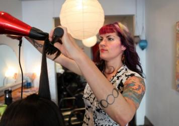 Mardi Palan, a hair stylist in Portland, Ore., is hoping to become a surrogate for a couple from Israel.