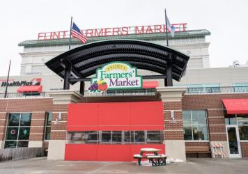 When the Flint Farmers' Market moved downtown, closer to public transportation, more low-income customers started shopping there for all their grocery needs, a new study finds.