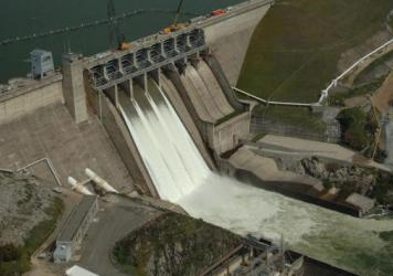 Despite the ongoing drought in California, the Folsom Lake reservoir is kept at only 60 percent capacity in the winter to prevent major flooding if a winter storm occurs. Some hope to prevent the waste of water by relying on more accurate weather predictions.