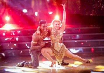 Keo Motsepe was partnered with <em>Full House</em> actress Jodie Sweetin this cycle. They earned perfect 10s Monday night — and were then voted off the show.