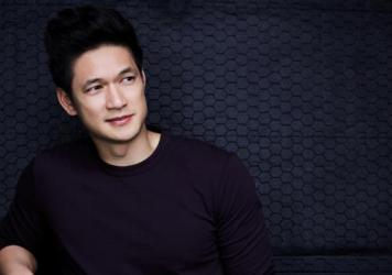 Harry Shum, Jr. is one of the stars of YouTube's <em>Single By 30</em>.