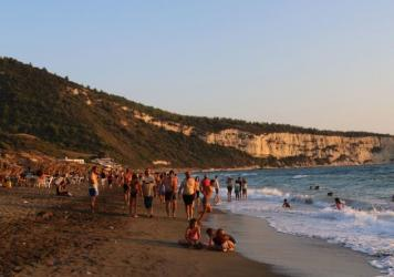 Everything is fine, see? Look how pleasant the Mediterranean beaches of Latakia, Syria, were on July 22.