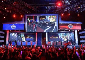 Thousands will watch the action as two teams duel with their fantasy characters and large swords during the League of Legends World Championship Finals in Los Angeles this weekend. Viewers will watch on large screens like they did during Paris Game Week.