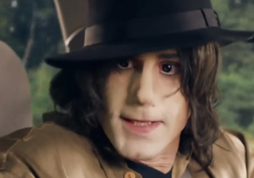 A screenshot from the British TV show <em>Urban Myths </em>shows actor Joseph Fiennes portraying singer Michael Jackson.