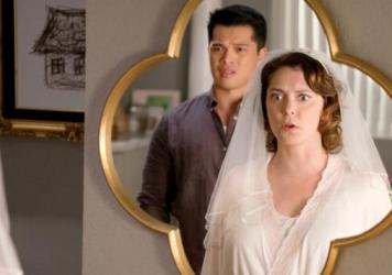 The Mirror Has Two Faces: Josh (Vincent Rodriguez III) and Rebecca (Rachel Bloom) reflect on their approaching nuptials in the second season finale of <em>Crazy Ex-Girlfriend</em>.