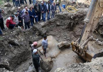 A quartzite colossus possibly of Ramses II and limestone bust of Seti II have been discovered at the ancient Heliopolis archaeological site in the Matariya area of Cairo.