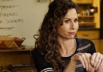 Minnie Driver plays Maya, the mom on the ABC family comedy <em>Speechless</em>.