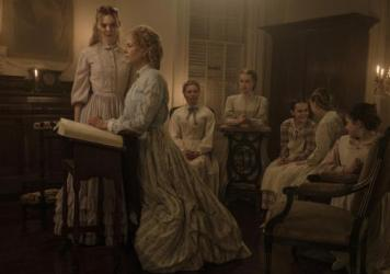 L to R: Elle Fanning as Alicia (Elle Fanning), Miss Martha (Nicole Kidman), Edwina (Kirsten Dunst), Jane (Angourie Rice), Amy (Oona Laurence), Emily (Emma Howard), and Marie (Addison Riecke) in <em>The Beguiled</em>