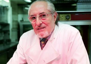 Renowned chef Alain Senderens, who helped define French nouvelle cuisine, died Sunday.