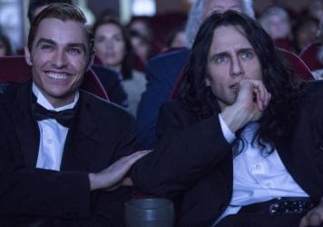 Greg (Dave Franco) and Tommy (James Franco) in <em>The Disaster Artist</em>.