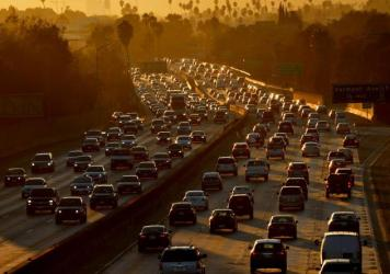 Traffic clogs Highway 101 as people leave work in Los Angeles on Aug. 29, 2014.