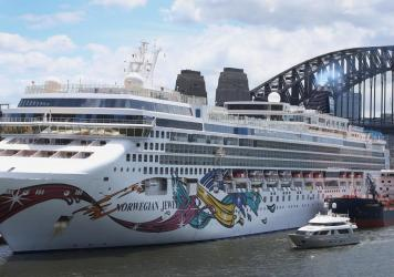 Norwegian Jewel passengers — and their family members back home — are still struggling to get answers about when they'll be back on solid land again.