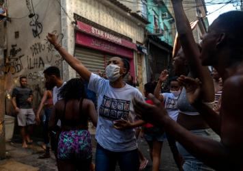 Residentes protest after a police operation against alleged drug traffickers at the Jacarezinho favela in Rio de Janeiro, Brazil, on Thursday.