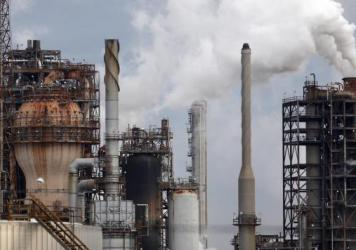 The Royal Dutch Shell refinery in Norco, Louisiana. The state is a major petrochemical and oil and gas producer, but Governor John Bel Edwards has called for a plan to dramatically reduce climate warming emissions.