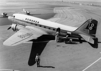 Douglas DC-3, Orange County Airport, circa 1958
