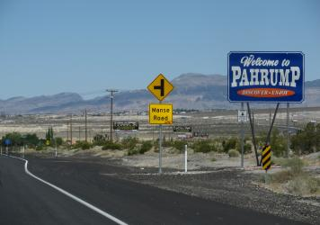 Welcome to Pahrump sign